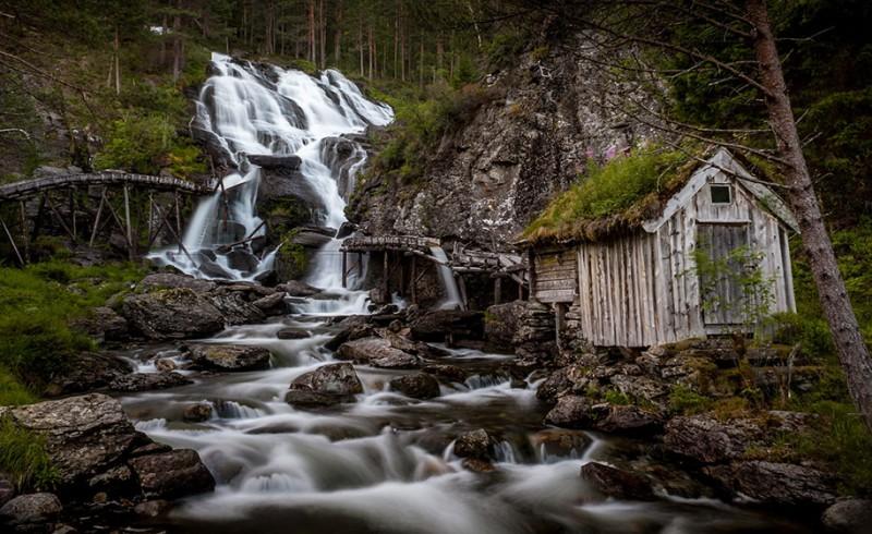 Cascada-Kvednafossen-Noeruega