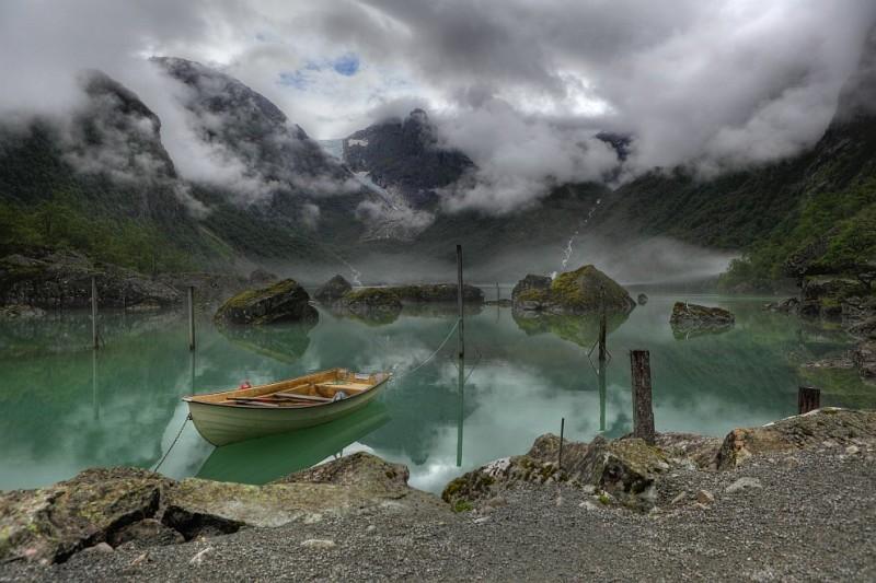 Lago-Bondhus-Noeruega