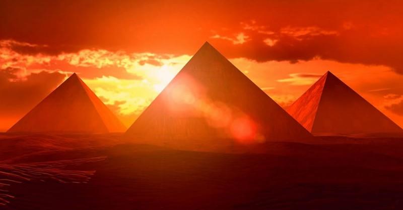 atardecer-piramides-de-egipto
