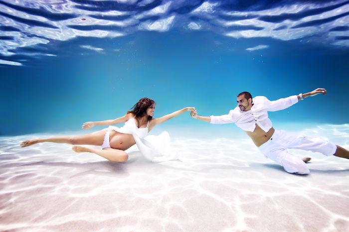 embarazadas-bajo-el-agua-11