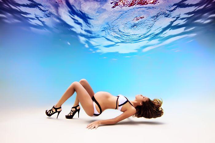 embarazadas-bajo-el-agua-2
