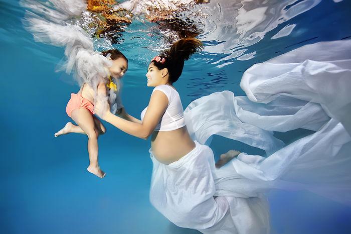 embarazadas-bajo-el-agua-5