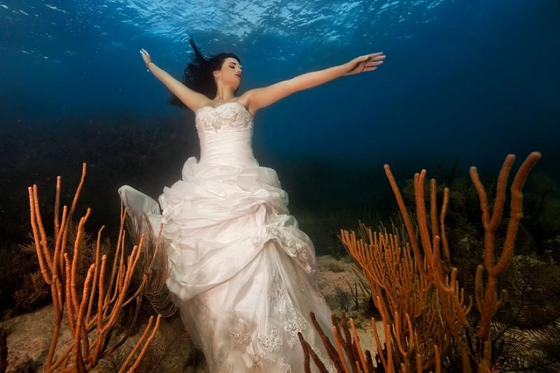fotografías-de-foto-de-boda-bajo-el-agua-1