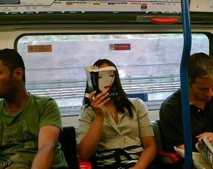 geisha-en-el-autobus