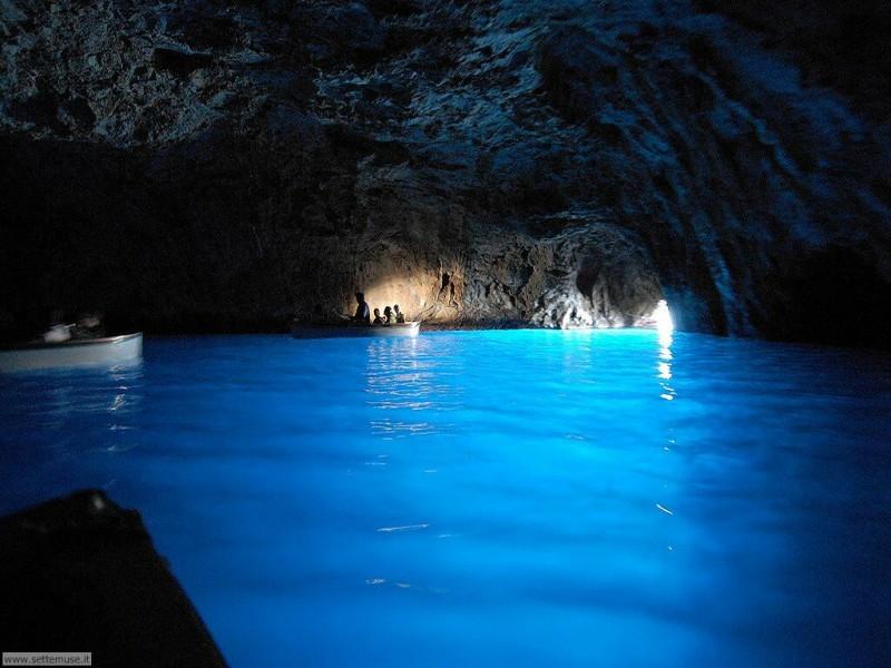Gruta Azzurra, Italia