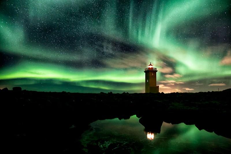 imagenes-de-faros-aurora-boreal
