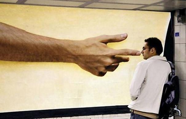 mano-cuadro-nariz