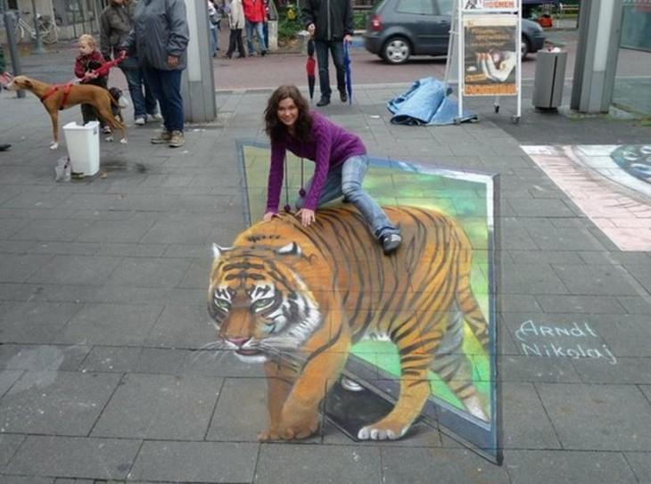montada-en-un-tigre