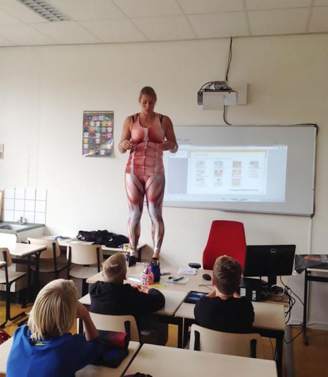 profesora-se-desnuda-1