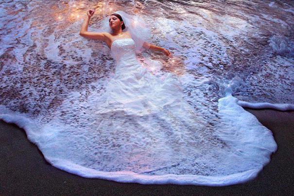 vestido-de-bodas-agua-en-la-playa