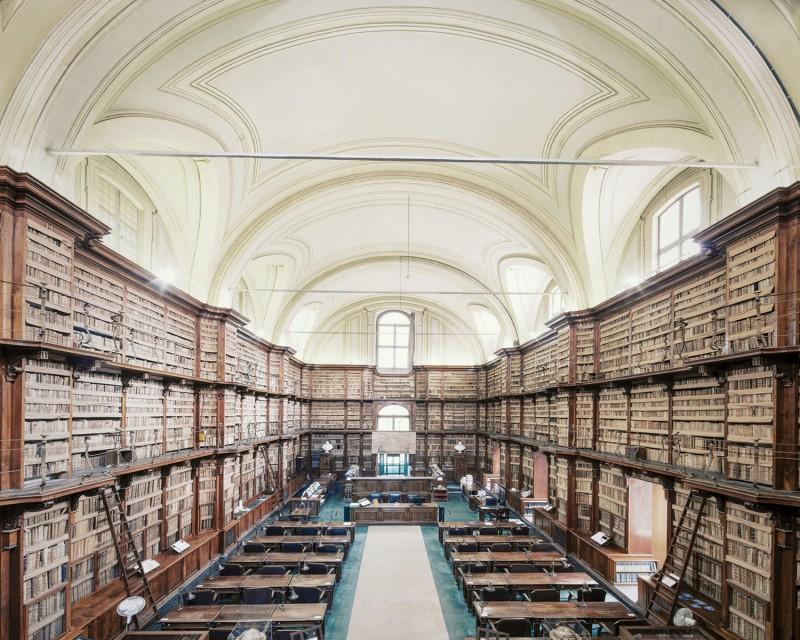 biblioteca-angela-roma