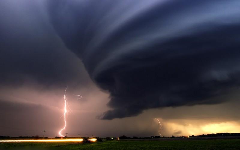 02-rayos-y-tornados