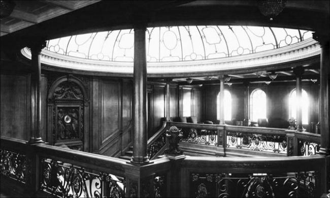 cupula-superior-de-la-escalera-principal-titanic