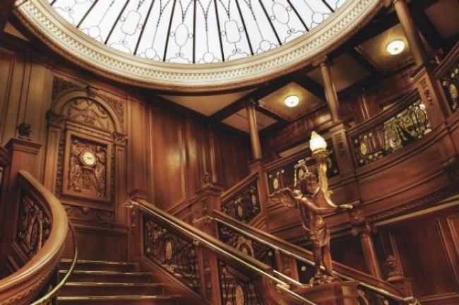 cupula-superior-escalera-principal-nuevo-titanic