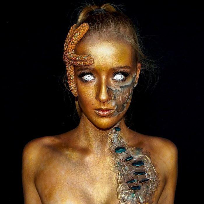 chica que se convierte en monstruo con el maquillaje (3)
